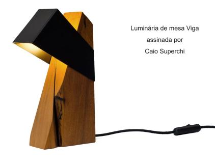 Luminária de mesa Viga assinada por Caio Superchi