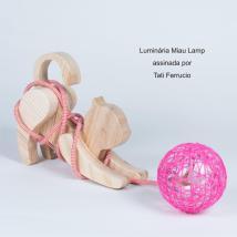 Luminária Miau Lamp assinada por Tati Ferrucio