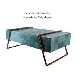Mesa de centro Monolito assinada por Paulo Moreira