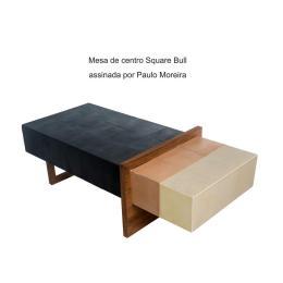 Mesa de centro Square Bull assinada por Paulo Moreira