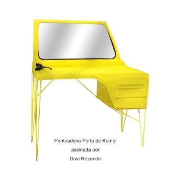 Penteadeira Porta de Kombi assinada por Davi Rezende